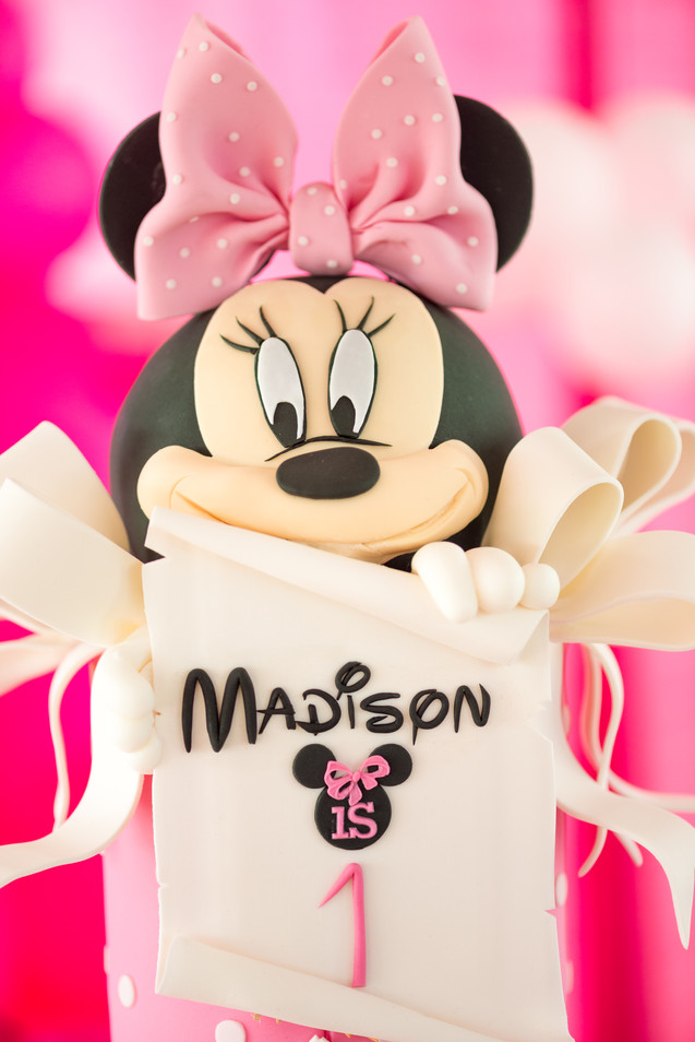 'Madison Turns 1': Closeup of Minnie Mouse Cake