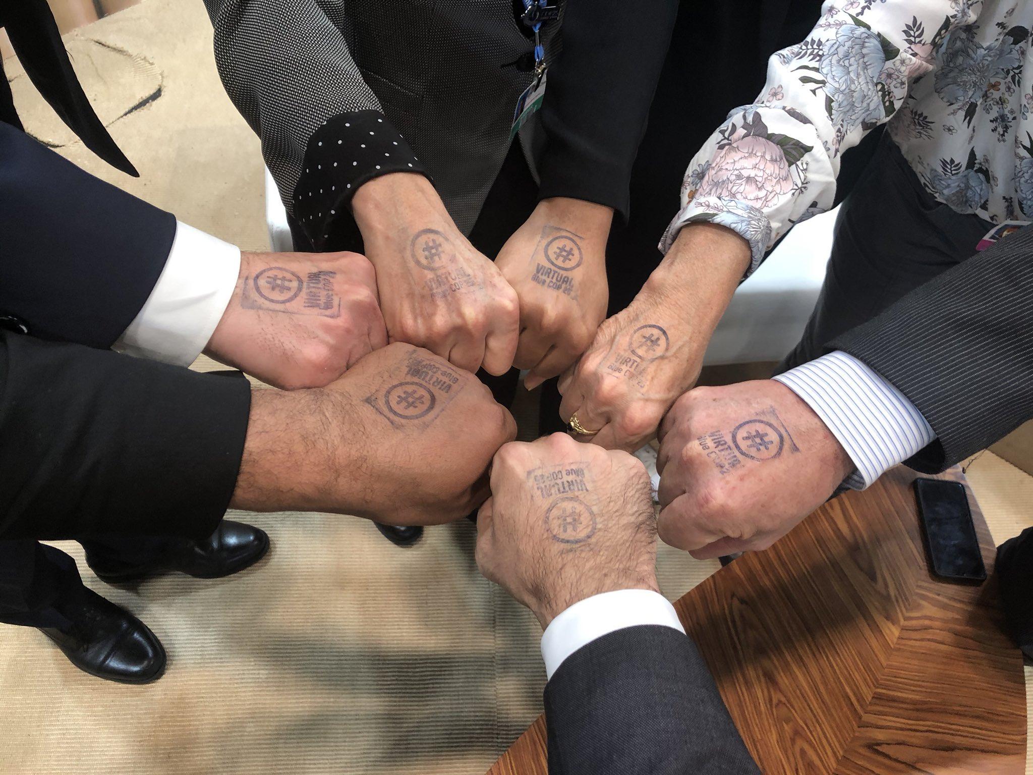 20191207_.VBC_stamp_hands1