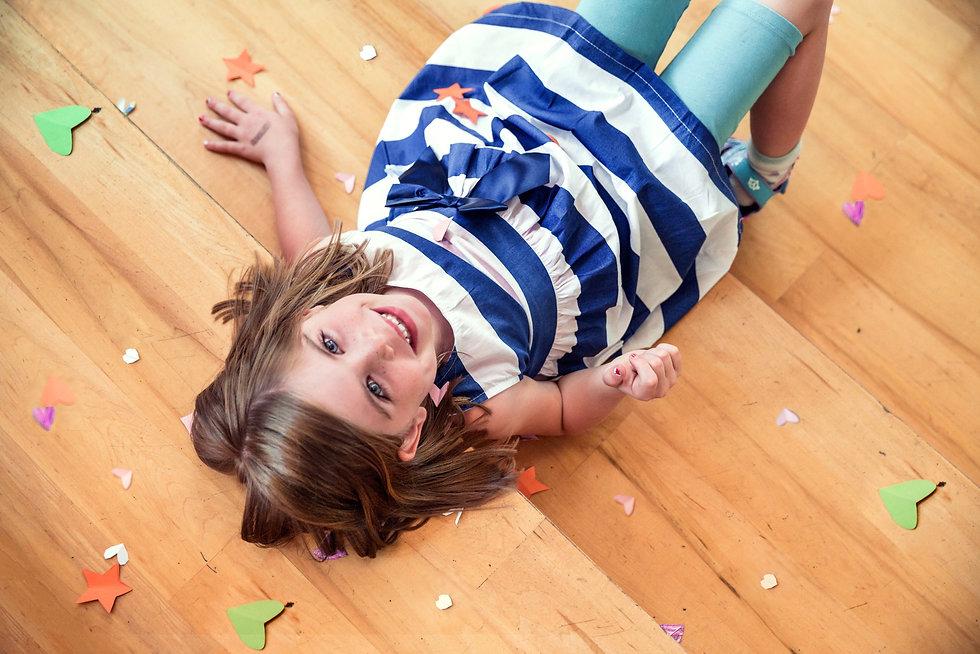 child-cute-floor-544981.jpg