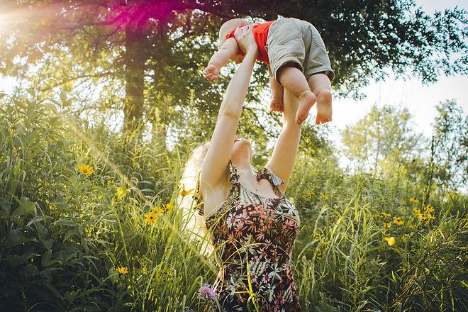 baby-beautiful-bond-1261909.jpg