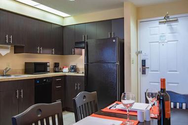 staysky suites orlando (1).webp