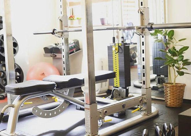 吉祥寺駅徒歩3分 肩こり・腰痛改善、ダイエット パーソナルトレーニングジム ドリームキューブワン