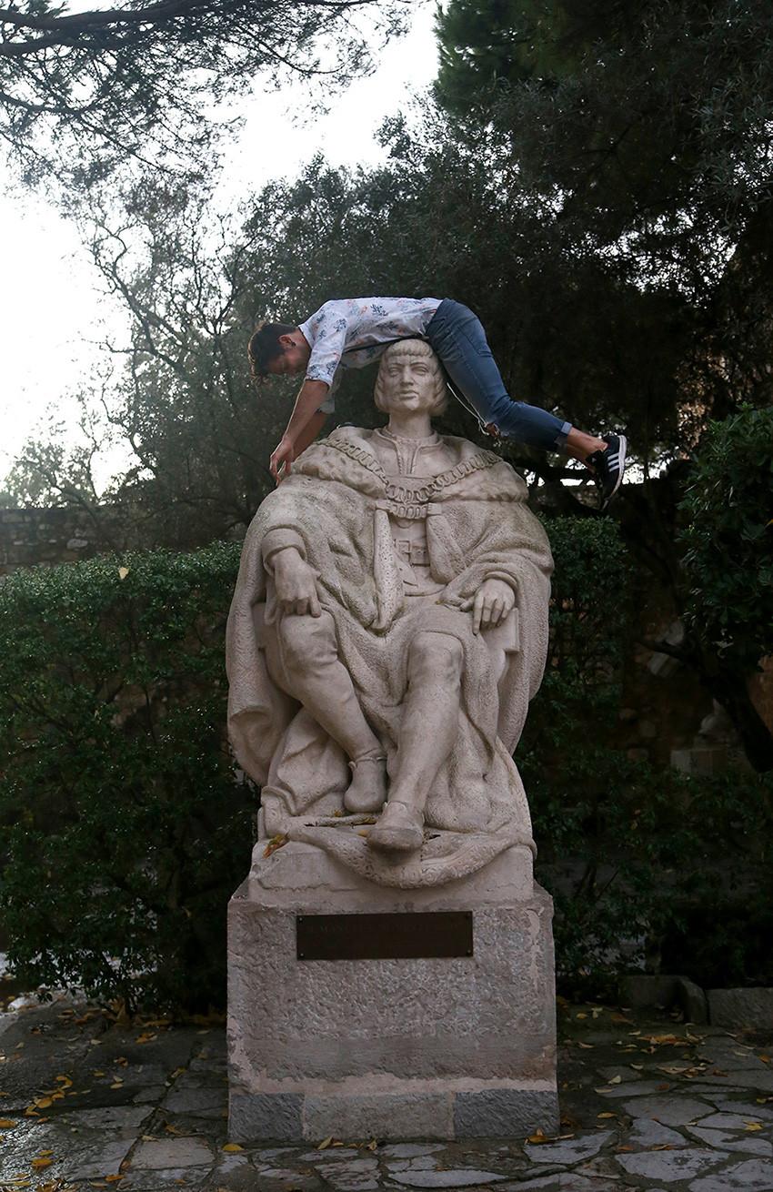 Dom Manuel I statue  / São Jorge Castle  /  Lisbon