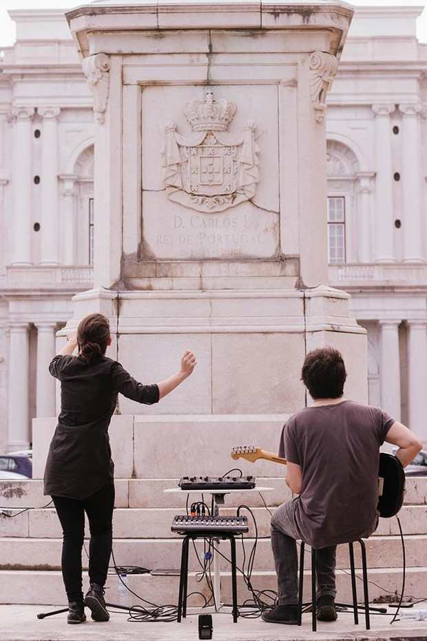 How to Levitate an Obstacle / Performance by Lavoisier  /  King Carlos I Statue, Palacio da Ajuda, Lisbon