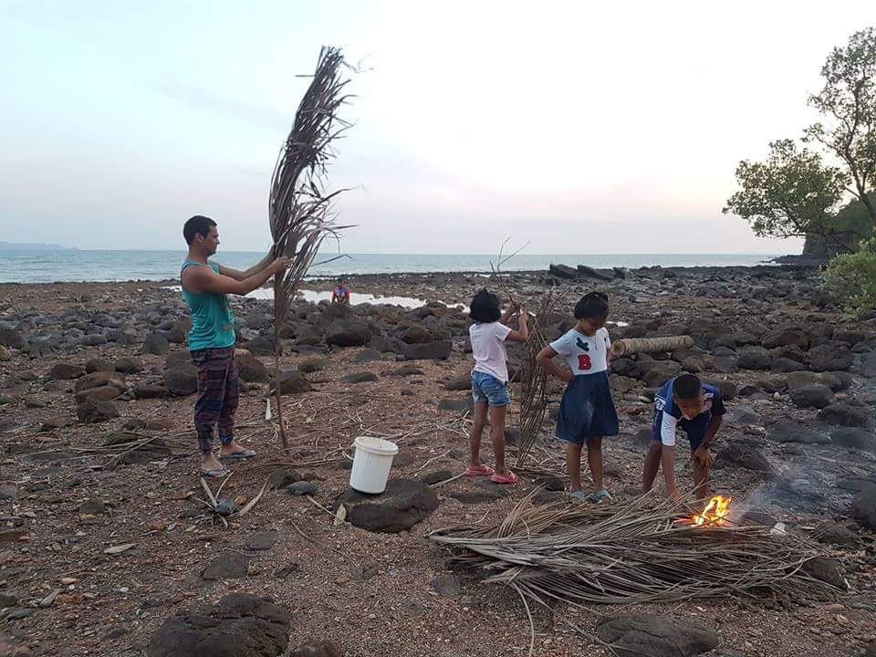 Collaboration with Urak Lavoy children play