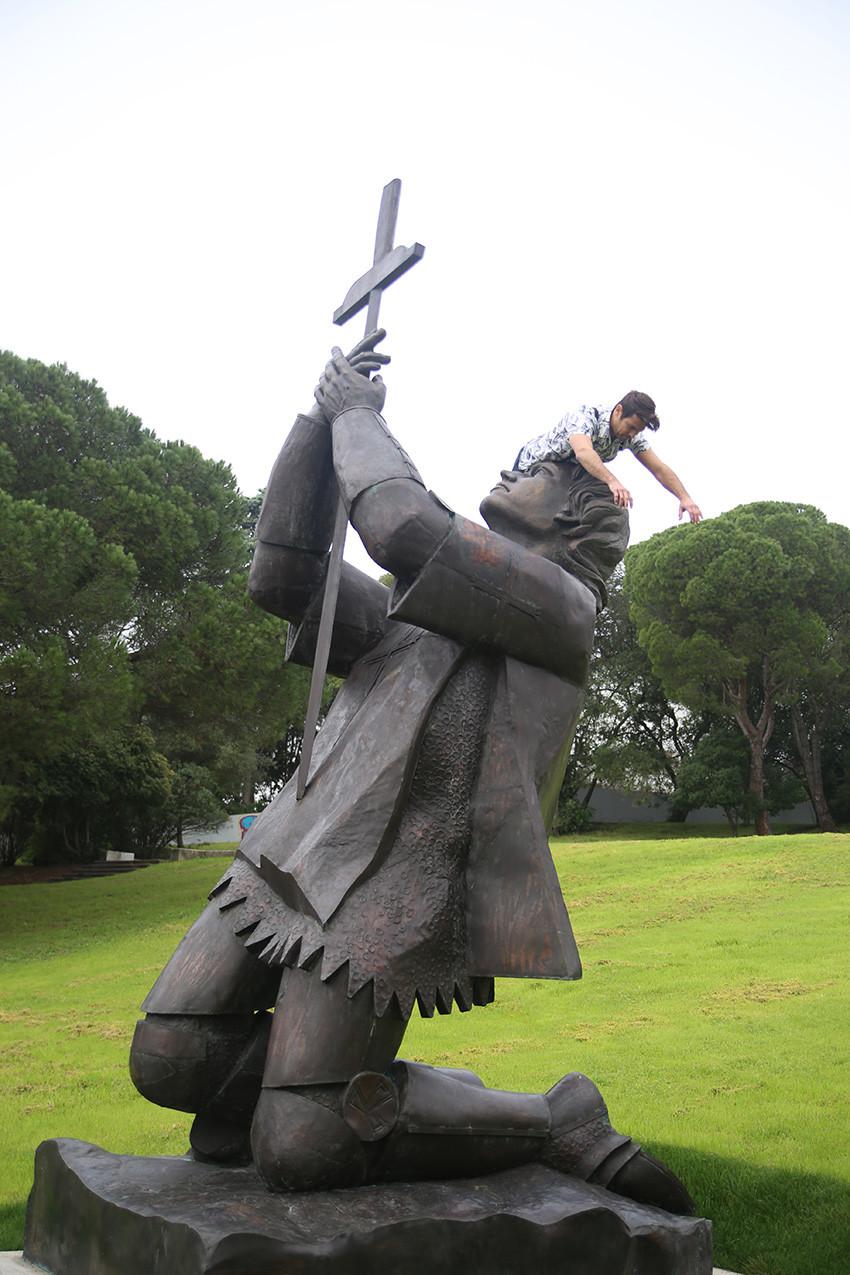 Dom Nuno Alvarez Pereira statue  /  Lisbon