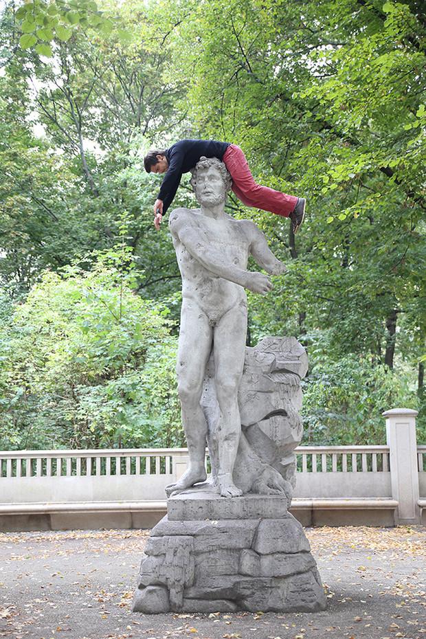 Unknown statue  /  Tier Garten, Berlin