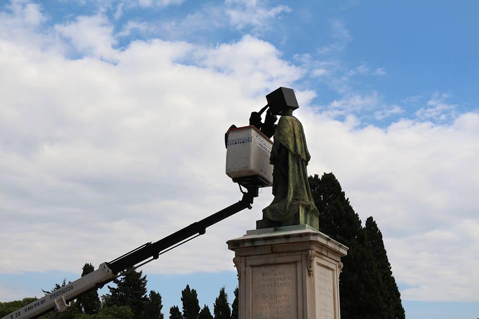 Performance by Kiluanji Kia Henda /   Black Square - Segundo Regicidio  /  King Carlos I Statue, Palacio da Ajuda, Lisbon,