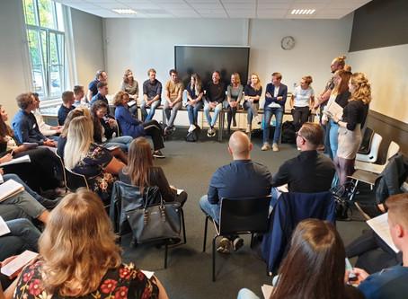 87 studenten, 20 cases en impact op één