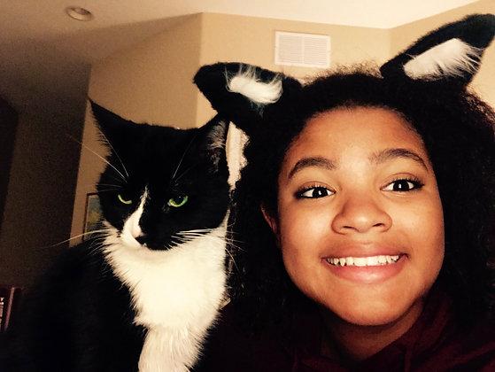 Bella = Black Cat