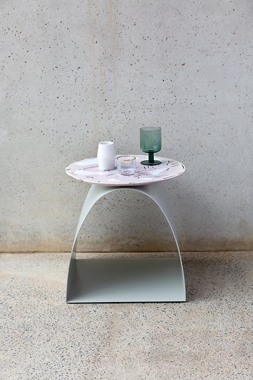 The Mode Simple Sidetable
