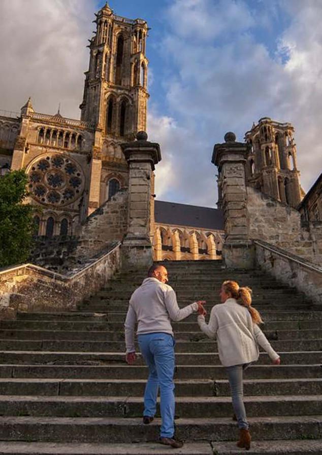 Escaliers-des-remparts-Laon©Horizon-bleu