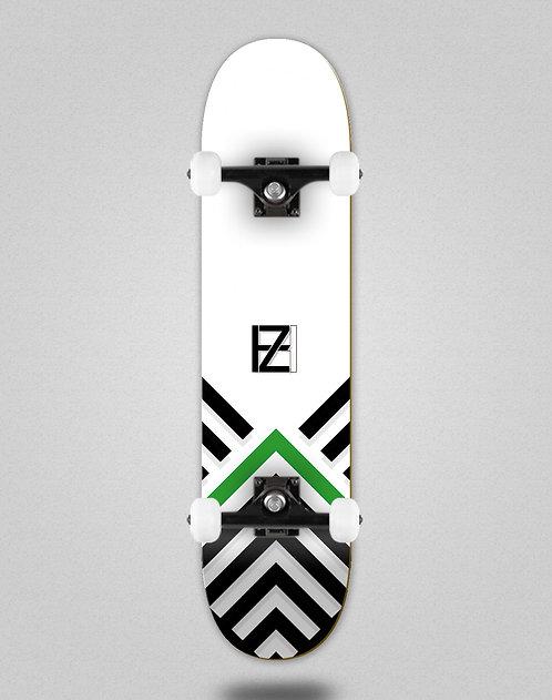 Holz Gram BW Akira white skate complete