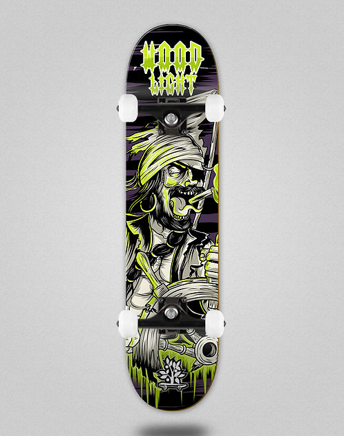 Wood light Freak show pirate skate complete