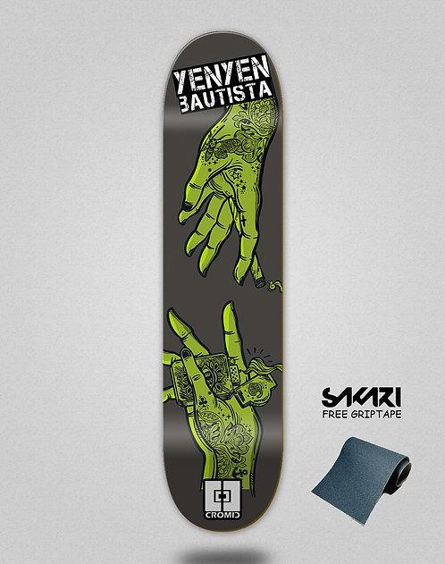 Cromic Yenyen hands grey green