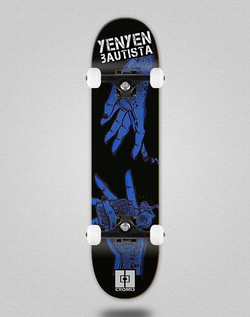 Cromic Yenyen hands black blue skate complete