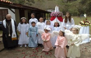 children-of-our-little-school-crowning-our-lady