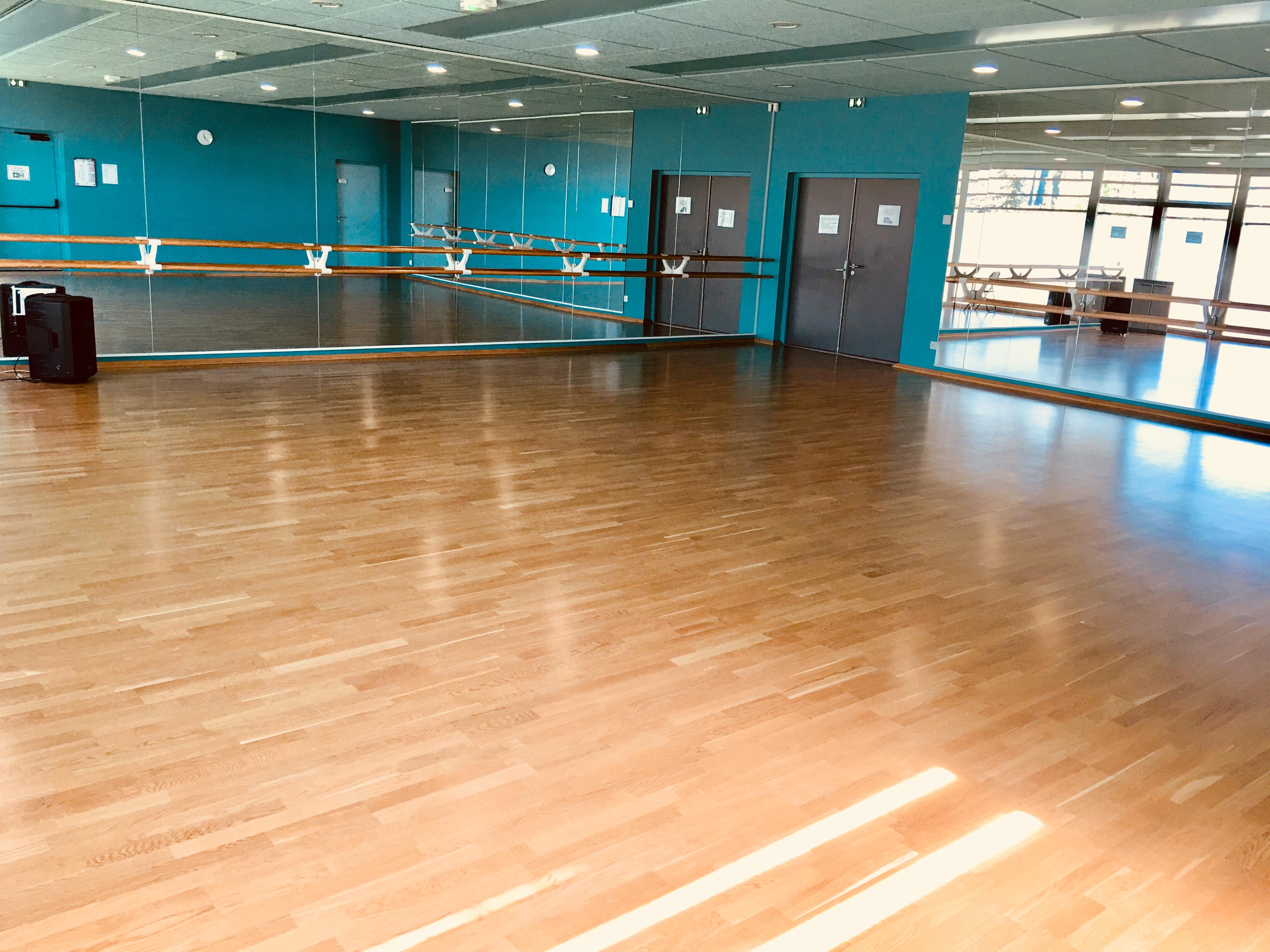 Salle de danse 1