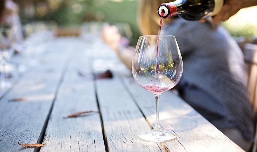 wine-1952051_1920_edited.jpg