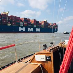HMM Algeciras - der größte Containerfrachter der Welt