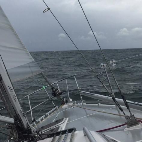 Mit gereffter Fock und 1. Reff bei 27 Knoten Wind Richtung Gedser Odde