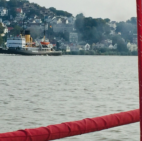 "Die ""Stettin"" backbord querab"