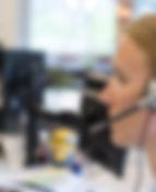 female-support-phone-operator-PNPLQFK.jp