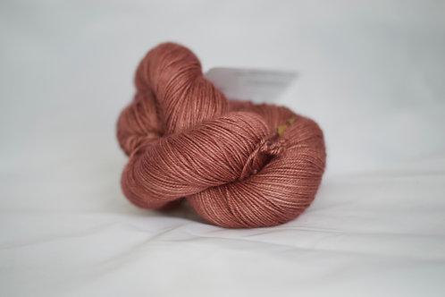 Dana fingering - 70% sw mérinos 20% soie 10 % cachemire - rose antique