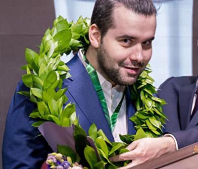 Ian Nepomniachtchi vence o Torneio de Candidatos e enfrenta Magnus Carlsen na disputa do Mundial!