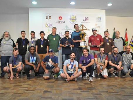 MI Guillermo Vazquez vence o Floripa Chess Open 2020