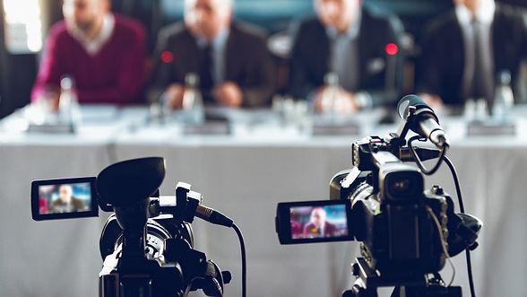 camera-at-press-conference-Q52A3EW.jpg