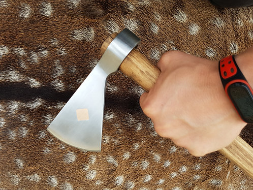 Tomahawk with bronze wire inlay