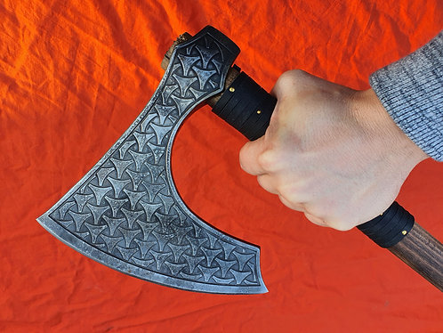 MAGNUS - Viking axe with engraved head