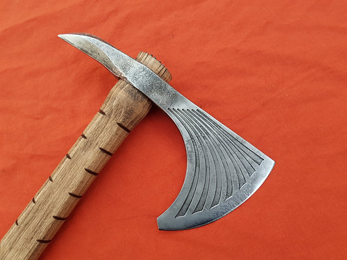 Tomahawk with decorated head