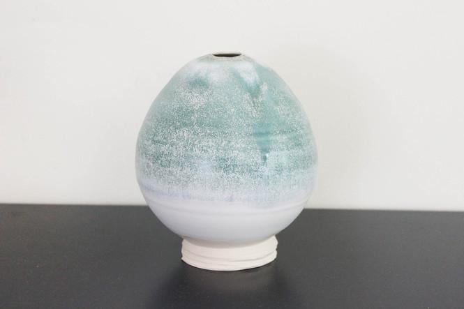 green bulb vase.jpg