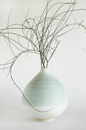 drop vase.jpg