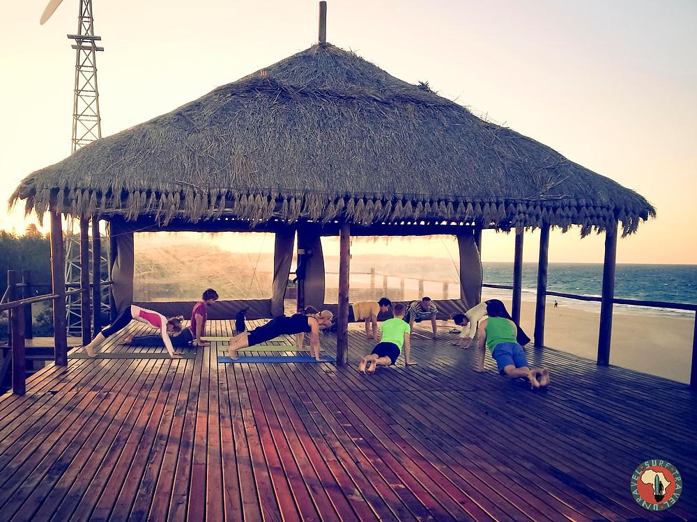 Йога Серф трип ЮАР Мозамбик Unravel Surf Travel