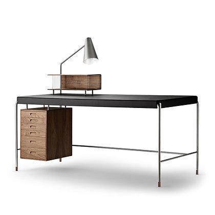 "【約10%OFF】Carl Hansen & Søn ""AJ52 SOCIETY TABLE + Lamp module"" Walnut"