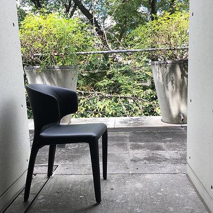 """【約38%OFF】Cassina """"367 HOLA"""" Arm Chair Graphite【新品在庫】"""