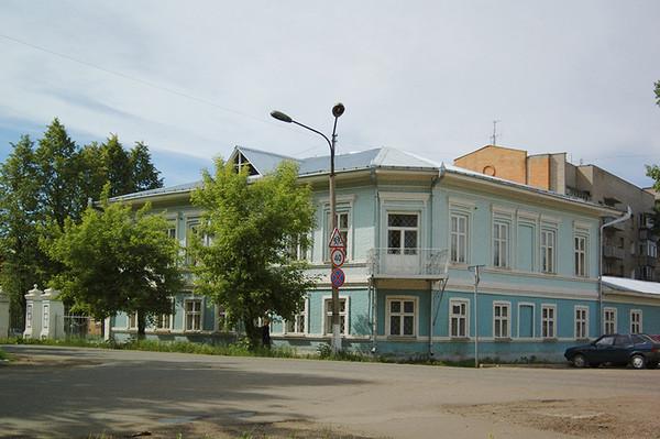 «Дом купца Я. Чиркова» (ул. Кирова, д. 8