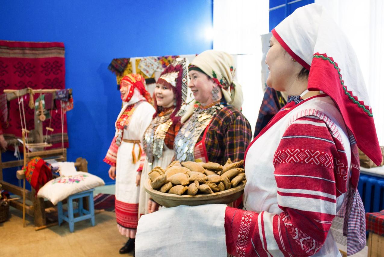 Открытие выставки «Женский угол. Кышнопал 02