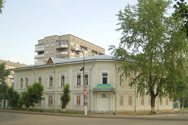 «Дом купца Колотова» (ул. Кирова, д.2).j