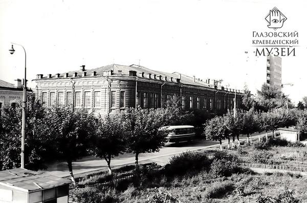 Глазов, ул. Кирова, д.13.jpg