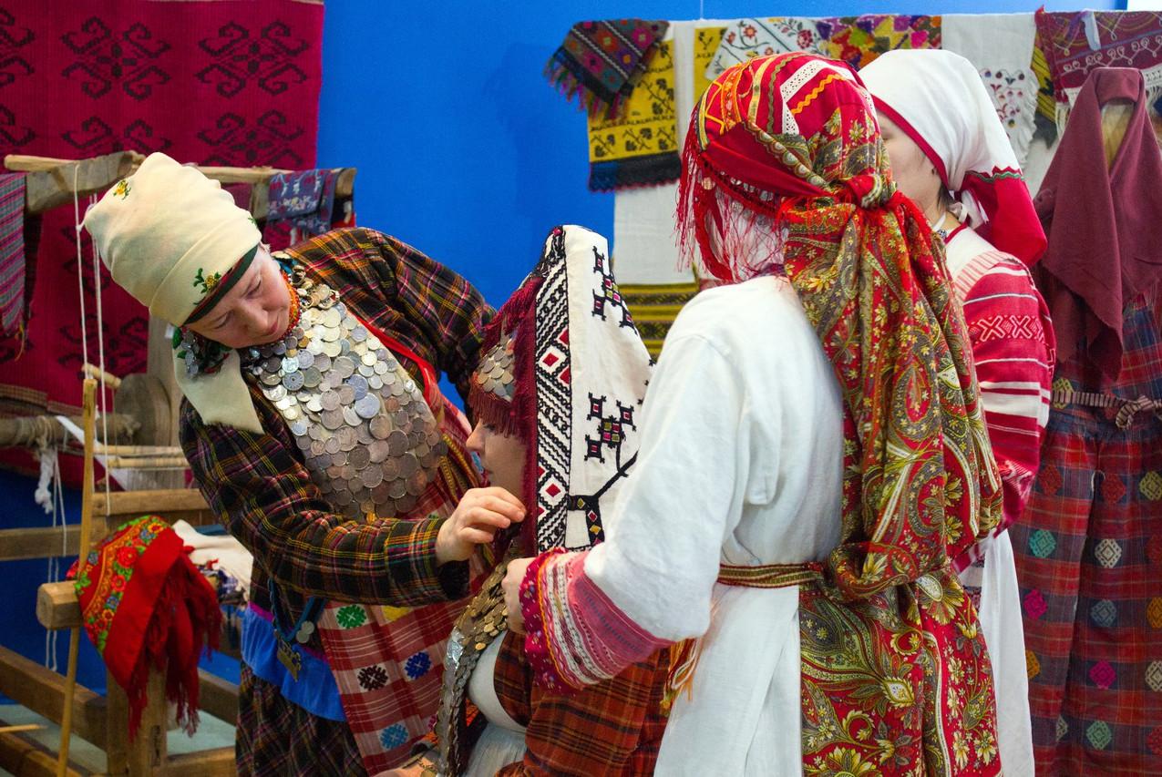 Открытие выставки «Женский угол. Кышнопал 01
