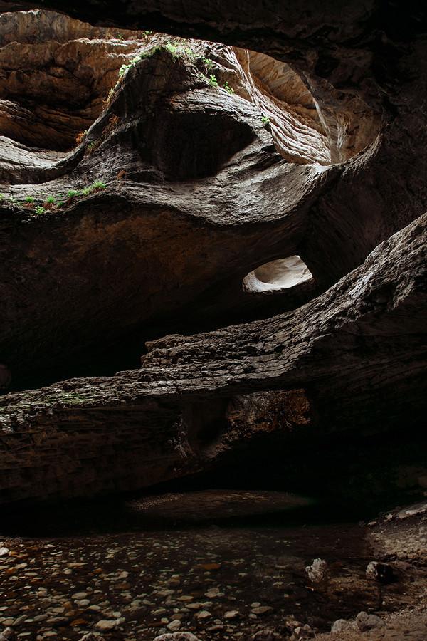 dag_002_Подземный водопад в Салте.jpg