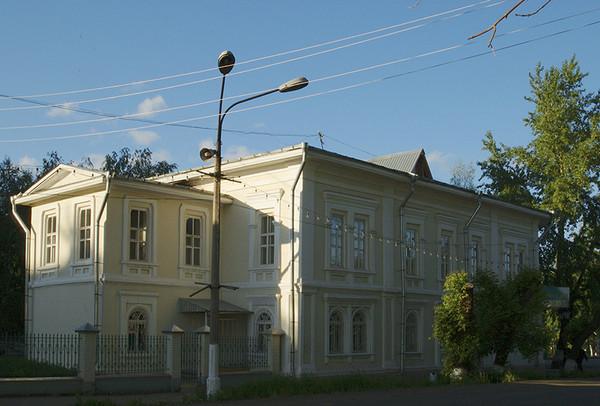 «Дом купца Колотова» (ул. Кирова, д.2) 2