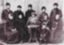 Семья Бурковых. На фотографии девочка –