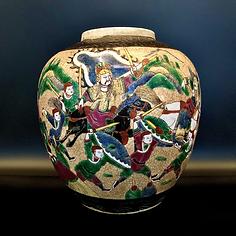 Crackle glazed famille roseverte vase with warrior scenes