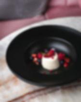 意式奶凍配鮮莓 Vanilla Panna Cotta topped with