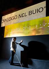 dialogo_nel_buio_a_milano.jpg